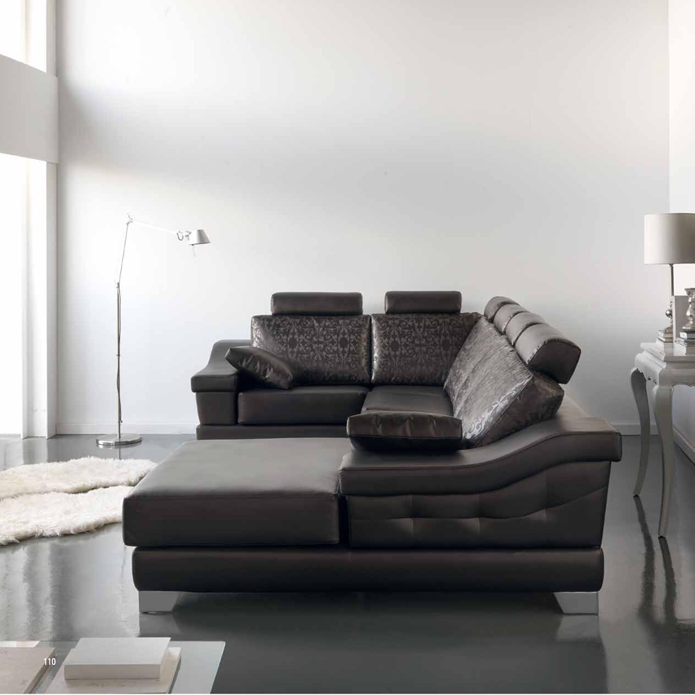 Sofá clásico de líneas modernas